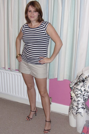 navy River Island top - off white Gap shorts - navy Dolcis heels