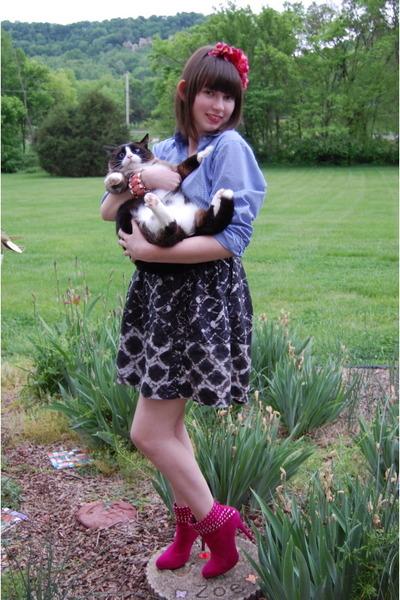 gray Thakoon for Target skirt - blue Vintage Bill Blass top - pink Mixx shoes -