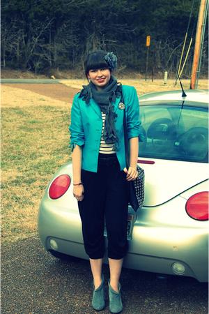 blue vintage blazer - white vintage t-shirt - black H&M pants - gray TJ Maxx sca