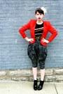 Black-zoe-sam-edelman-boots-red-goodwill-vintage-blazer-black-vintage-custo-