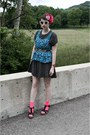 Black-polka-dotted-dress-hot-pink-neon-target-socks-blue-flowered-forever-21