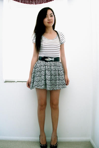 H&M t-shirt - f21 skirt - Steve Madden shoes - vintage belt