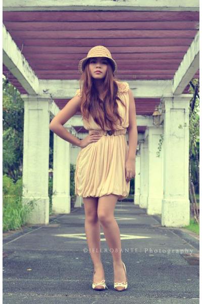 eggshell flowy random dress - tan crochet www hat - beige random heels
