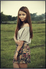 Silver-gray-cropped-kirin-kirin-blouse-navy-floral-bandage-redhead-skirt