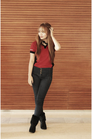ruby red from company shirt - black faux fur random boots