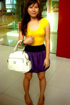 gold top - purple skirt