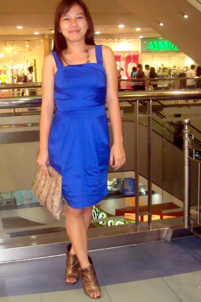 Blue Dresses- Gold Shoes- Brown Purses - &quot-Blue Valentines&quot- by ...