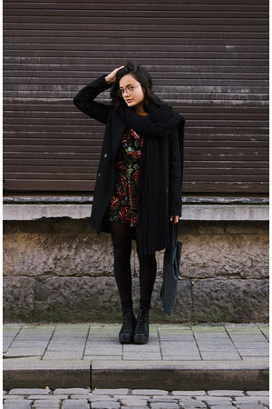 Sacha boots - roses Missguided dress - Zara coat - zeroUV glasses