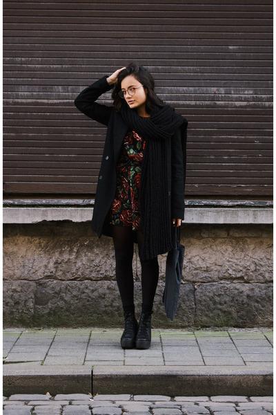 Sacha boots - roses Missguided dress - Zara coat - zeroUV glasses