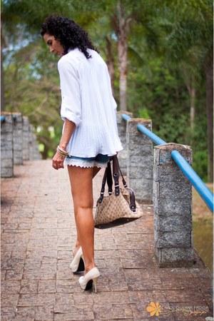 white onnara shirt - brown Gucci bag - blue Renner shorts