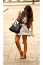 Stripped-zara-dress-navy-bimba-y-lola-bag-white-ray-ban-sunglasses