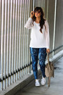 Leggings-bag-sunglasses-blouse-sneakers