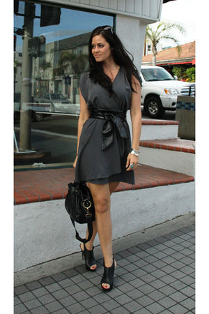 H&M dress - Dolce Vita shoes - Francesco Biasia purse