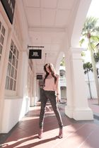 pink blouse - gray Uniqlo jeans - pink Elizabeth and James shoes