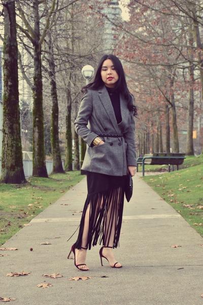 deep purple stuart weitzman shoes - black fringe Zara skirt