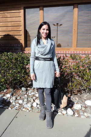 heather gray shearling Fit flop boots - heather gray Victorias Secret dress