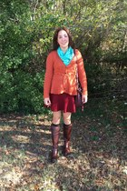 dark brown Frye boots - turquoise blue scarf