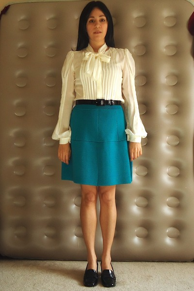 04f8cdffbdd9b black patent leather Elie Tahari loafers - teal asos skirt - ivory silk  blouse