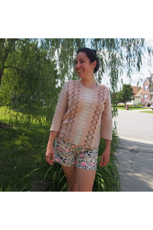 salmon brocade Anthropologie shorts - neutral blouse