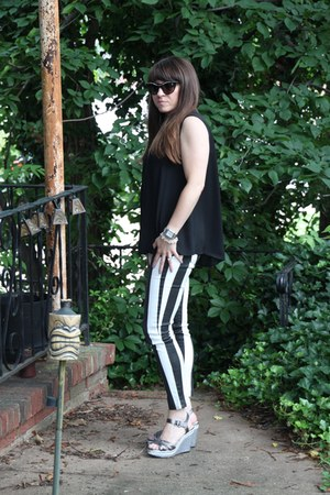 striped 7 for all mankind jeans - jewelled Prada sunglasses
