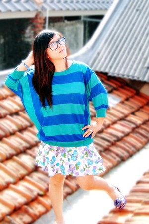 white skirt - deep purple flats - turquoise blue sweatshirt