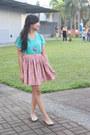 Turquoise-blue-v-neck-shirt-gold-flats-carrot-orange-circle-skirt