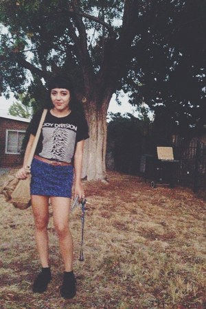 black black creepers creepers shoes - black shirt - blue Forever 21 skirt