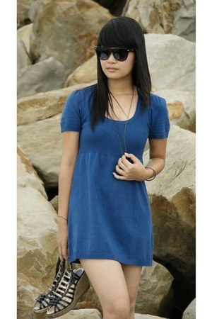blue Truworths dress - black frame Ray Ban glasses - owls bronze necklace - blac