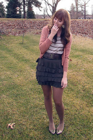 salmon H&M sweater - olive green Forever 21 skirt - beige Forever 21 top - olive