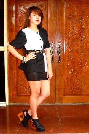 black SOSI STUFF blazer - black Chanel belt - black Gold Dot wedges - black onli