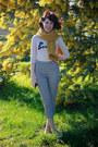 Beige-bonjour-knit-asos-sweater-mustard-pom-pom-dangerfield-scarf