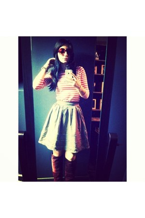 wine color Urban Outfitters boots - striped Forever 21 shirt