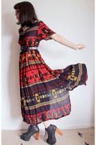 ruby red southwestern vintage dress - black litas Jeffrey Campbell boots