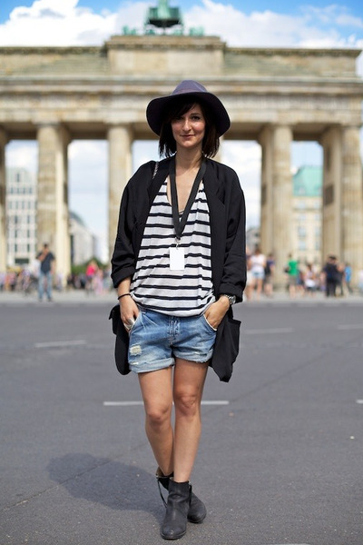 acne boots - oversize blazer Helmut Lang blazer - Zara shorts - COS top