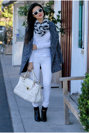 white skinny jeans Old Navy jeans - black booties Call it Spring boots