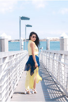 black Chloe sunglasses - light yellow feminine Lily Black dress