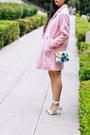 Light-pink-feminine-boohoo-coat-white-cropped-motel-clothing-shirt