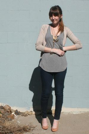 thrifted vintage heels - Forever 21 jeans - Target top