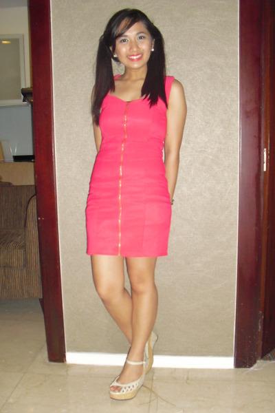 hot pink thrift dress - eggshell wedges