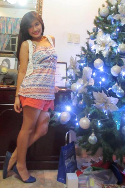 carrot orange Aeropostale shorts - orange aztec Cache Cache top