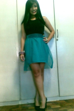 turquoise blue petticoat thrifted dress - gold leopard Forever 21 ring