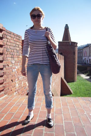 H&M t-shirt - LTB jeans - Pilgrim purse - Newlook socks - Newlook shoes - Marc b