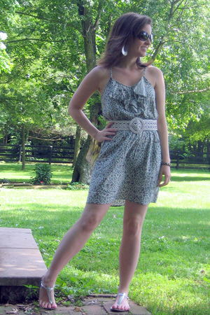 green Forever 21 dress - white American Eagle belt - silver JCrew shoes - silver