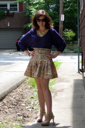 purple H&M top - gold zac posen for target skirt - white American Eagle belt - g