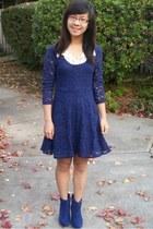 navy dress