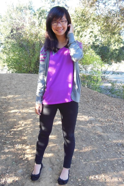 amethyst top - black pants - heather gray cardigan
