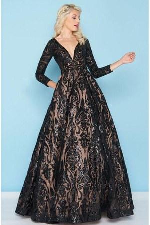 deep v-neck Mac Duggal dress - Ashley Lauren dress - a-line Ashley Lauren dress