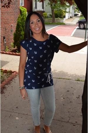 light blue zipper detail Forever 21 jeans - navy anchor print Forever 21 top - s
