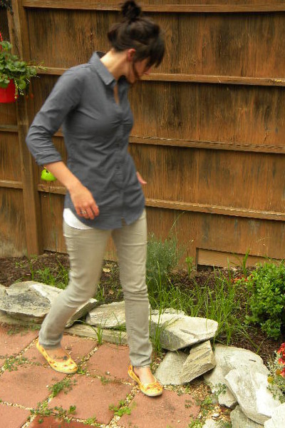 blue new york & co top - gray Martin & Osa jeans - orange Keds shoes
