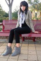beige Express jacket - gray Aldo boots - black Gap shirt - purple JCrew scarf